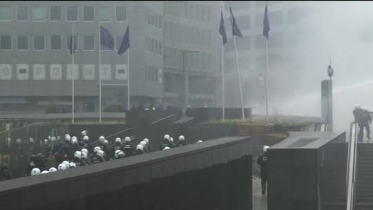 Manifestantes protestam contra Pacto sobre Migração em Bruxelas