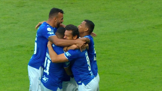 Gol do Cruzeiro! Thiago Neves chuta de fora da área e amplia