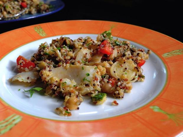 Salada de quinoa, bacalhau  e legumes grelhados   (Foto: André Lima de Luca)