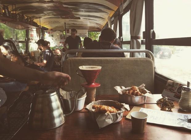 Clandestino Café, cafeteria itinerante de Pernambuco, tocada por Mateus Alves e Sara Rangel (Foto: Divulgação)