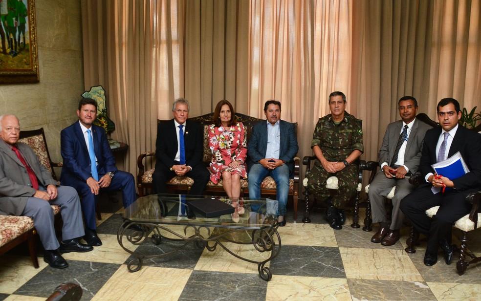 General Braga Netto recebe deputados da Alerj no Comando Militar do Leste (Foto: Reprodução/CML)