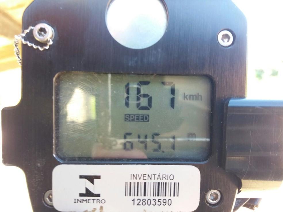 Outro veículo foi multado por estar a 167 Km/h (Foto: PRF/Divulgação)