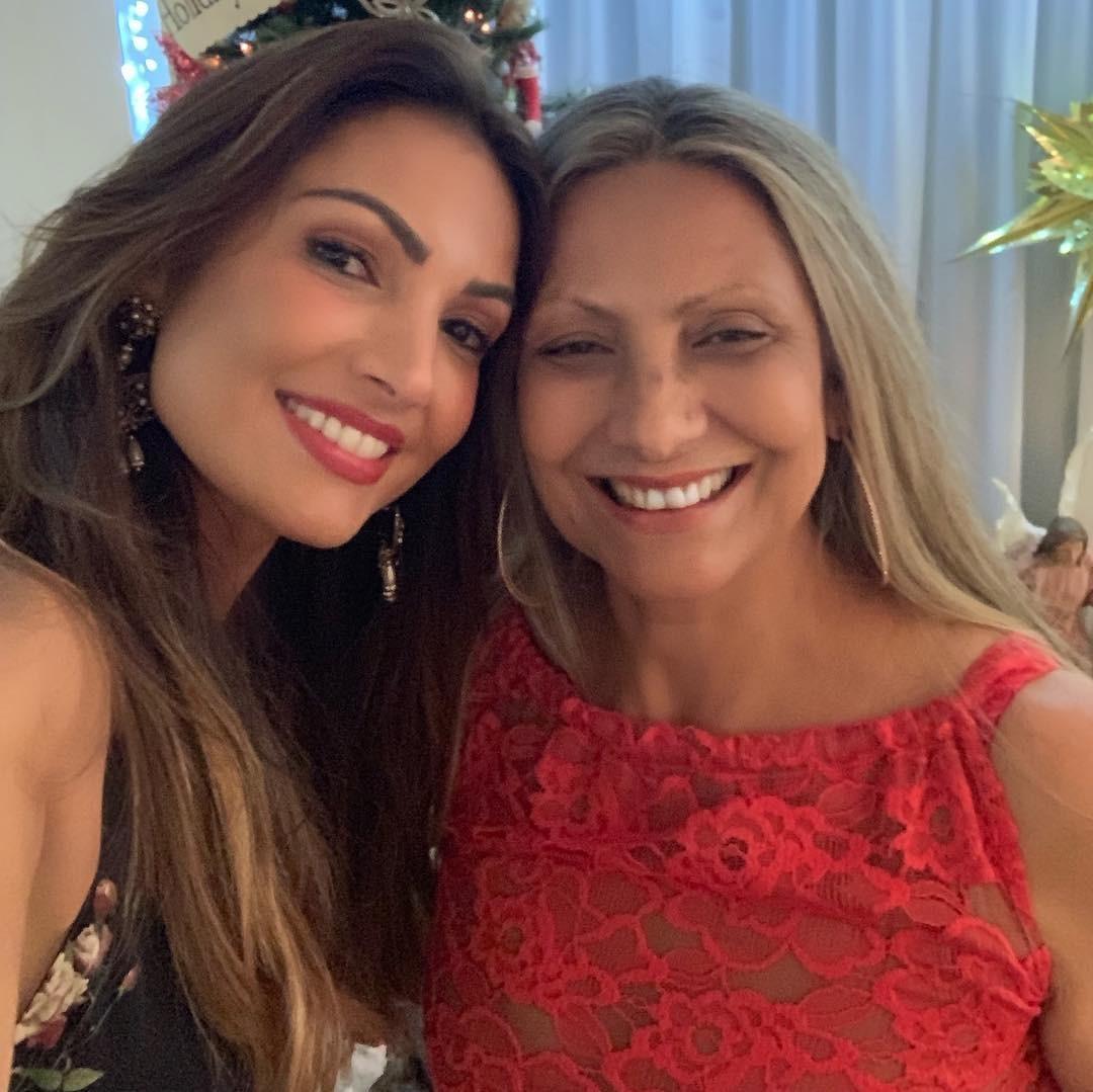 Patrícia Poeta e mãe Maria de Fátima Poeta (Foto: Reprodução Instagram)