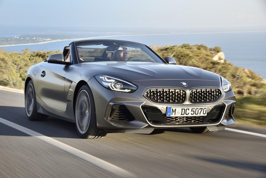 BMW Z4 chega ao Brasil em versão única por R$ 309.950 P90328326-highres-the-new-bmw-z4-m40i-