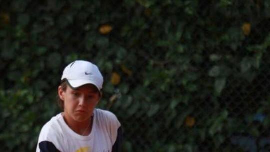 Vitor Kley conta que foi tenista e que a mãe guarda tudo o que sai na imprensa sobre ele em uma pasta