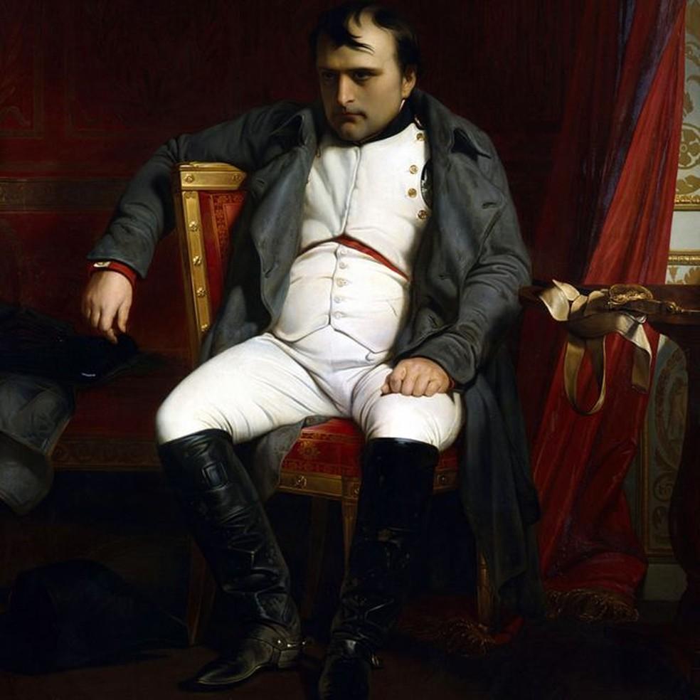 Napoleão aparece nesta obra do francês Paul Delaroche (1797-1859) em Fontainbleau durante a primeira abdicação, em 1814: zangado e aparentemente baixinho — Foto: Getty Images/BBC