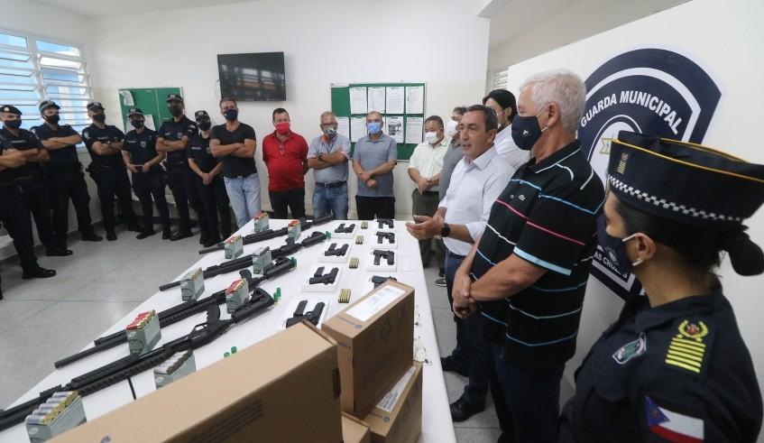 Mogi conclui processo de armamento e 60% do efetivo da Guarda Municipal recebe autorização para porte