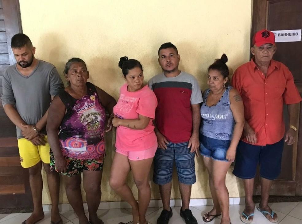 Seis pessoas foram presas durante a operação 'Gurupi' ocorrida em Carutapera — Foto: Reprodução/TV Mirante