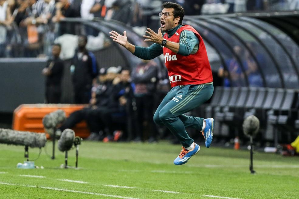 Valentim é fã do estilo italiano de marcação e tenta implantar isso em suas equipes (Foto: Marcos Ribolli)