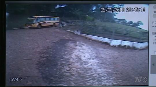 Motorista de ônibus que atropelou menino de dois anos fugiu por medo de ser agredido, diz polícia