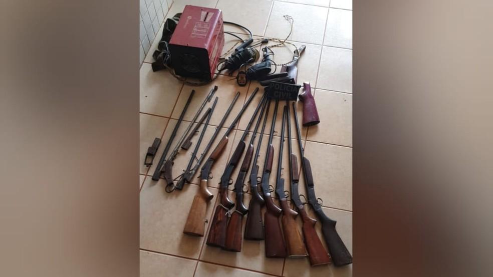 Materiais apreendidos foram apresentados na delegacia em Belterra — Foto: Polícia Civil/Divulgação