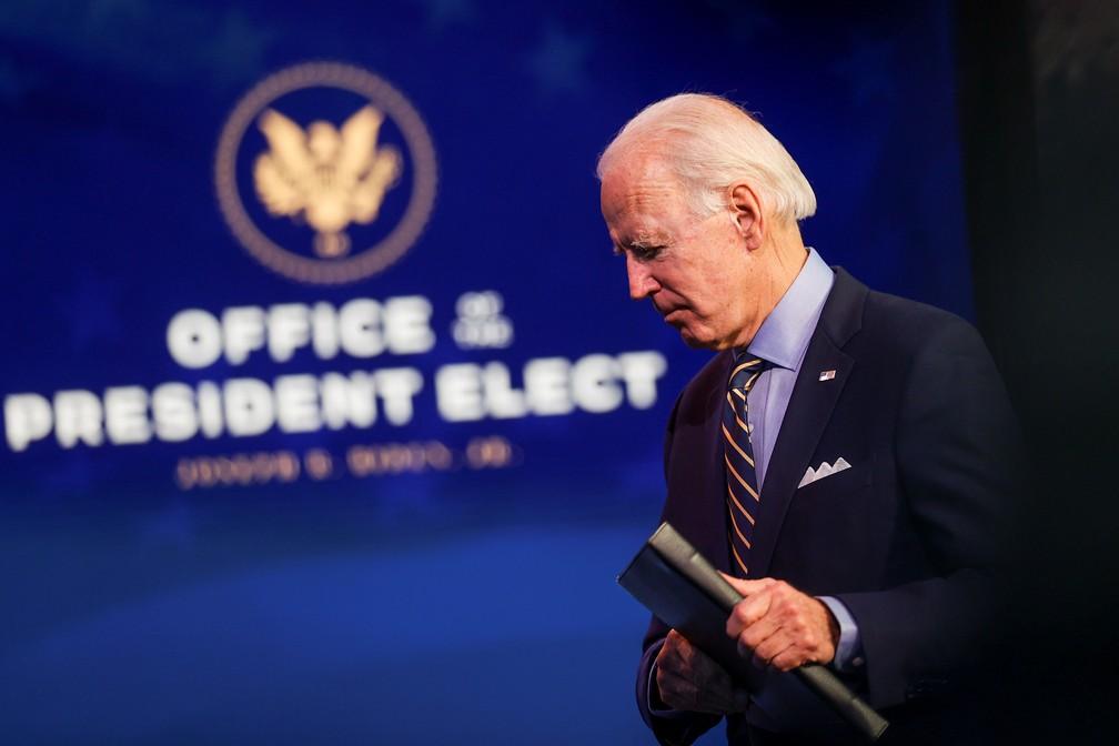 Presidente eleito dos EUA, Joe Biden, participa de pronunciamento em Wilmington nesta segunda-feira (28) — Foto: Jonathan Ernst/Reuters