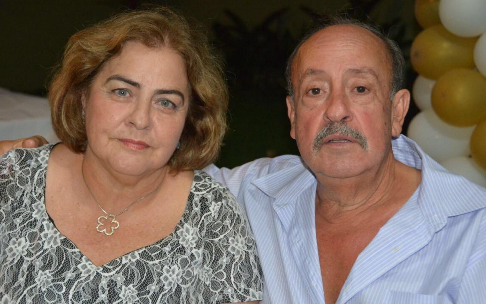 Professora perde pais em intervalo de 22 dias por complicações da Covid-19, em Goiânia: 'Dói a alma'