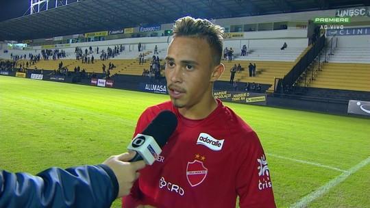 Erick valoriza empate contra o Criciúma e diz que time do Vila Nova está evoluindo na Série B