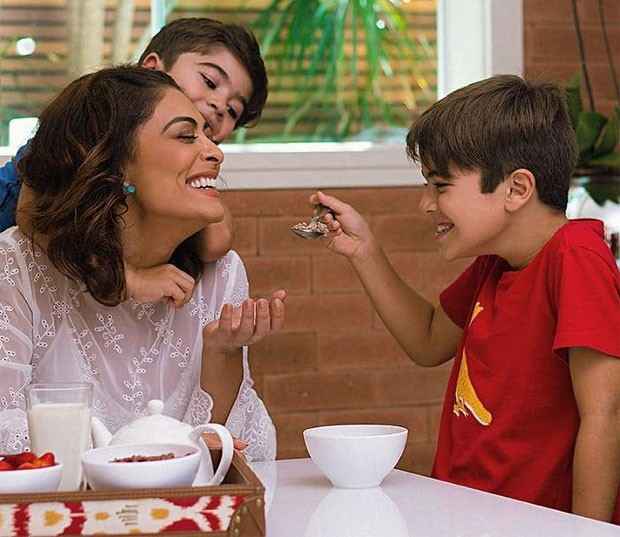 Juliana Paes e filhos (Foto: Reprodução)