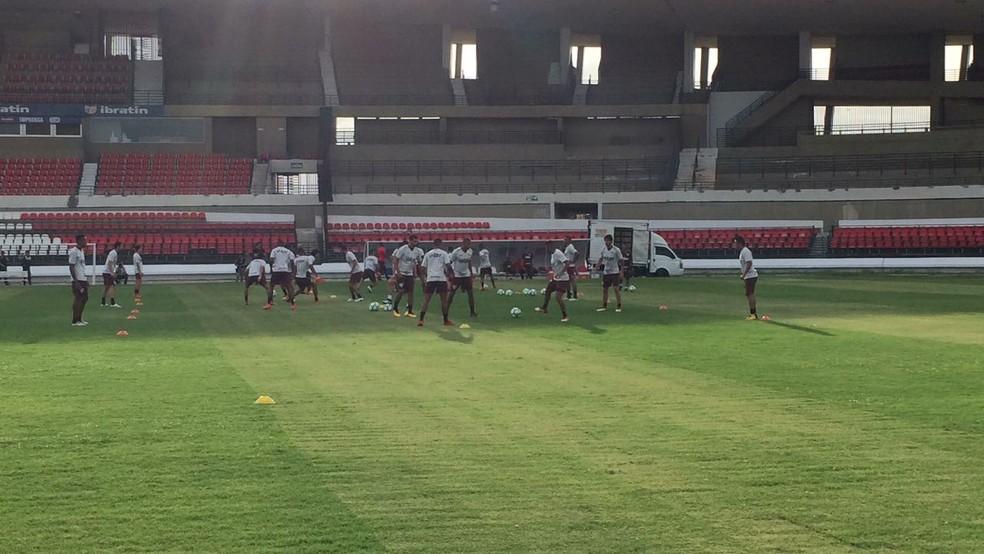 Treino São Paulo no estádio Rei Pelé (Foto: Leandro Canônico)