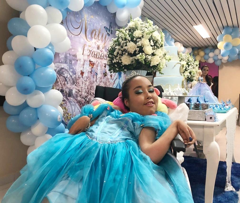 Natanielly Martins festejou os 15 anos no Hospital Universitário Lauro Wanderley — Foto: Felícia Arbex/Arquivo Pessoal