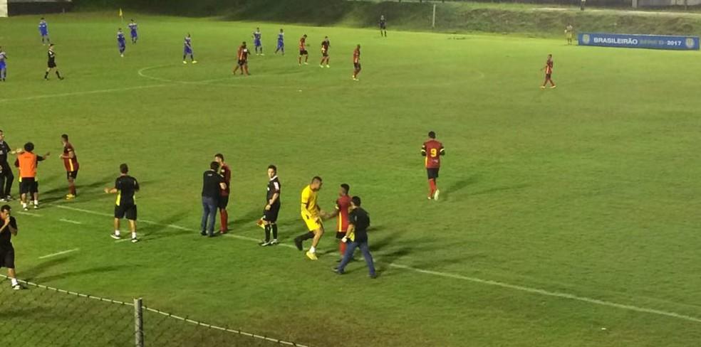 Renatinho Carioca fez o gol da vitória por 1 a 0 no tempo normal (Foto: Augusto Gomes/GloboEsporte.com)