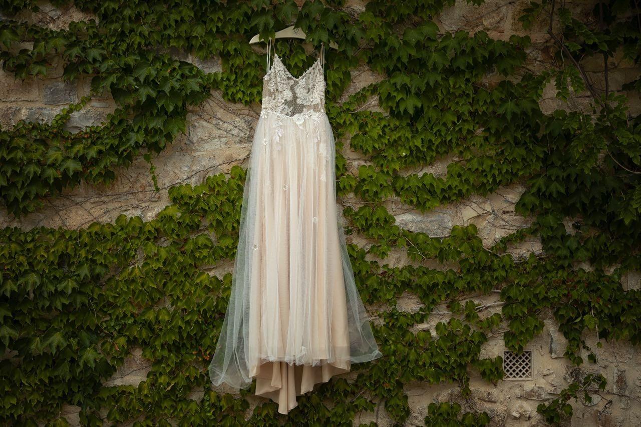 O vestido de noiva de Sthefany Brito (Foto: Sam Sacramento)