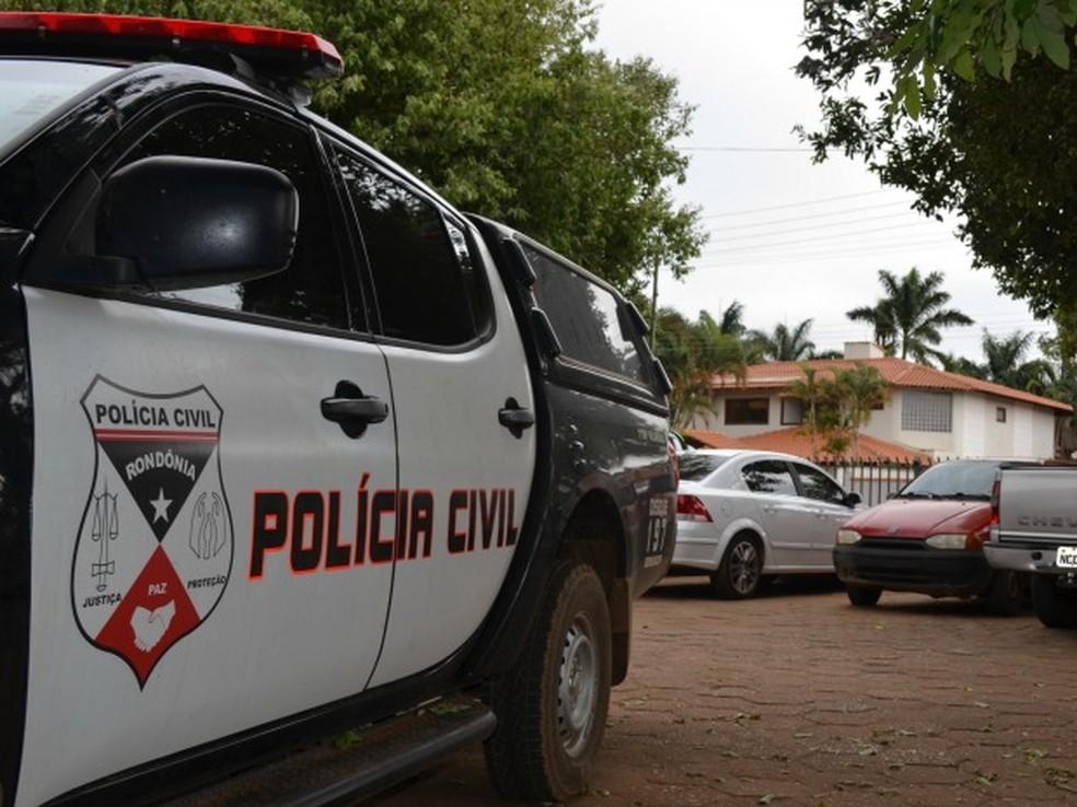 Polícia Civil encontrou materiais de apostas no comércio do homem — Foto: Jonatas Boni/G1