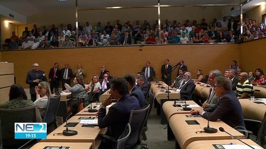 Quatro vereadores tomam posse na Câmara Municipal do Recife