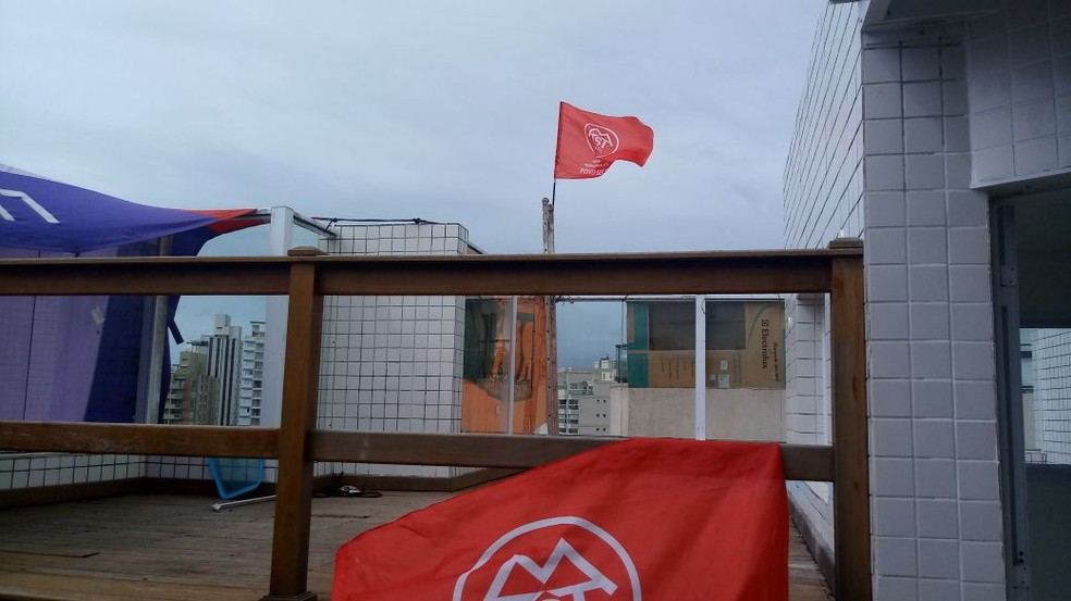 Manifestantes do MTST ocuparam o interior do triplex da Praia das Astúrias, em Guarujá (Foto: Divulgação/MTST)
