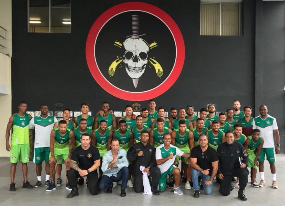 Jogadores Da Portuguesa Visitam As Instalações Do Bope Para