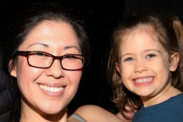 Ruthie Ann Miles e sua filha Abigail Blumenstein (Foto: Reprodução)