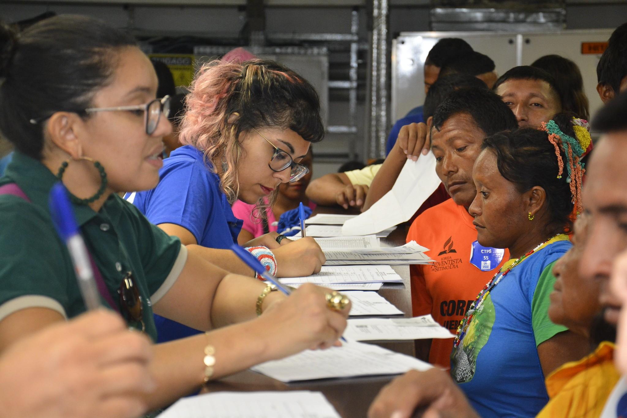 Indígenas Warao são atendidos em ação de cidadania em Manaus - Notícias - Plantão Diário
