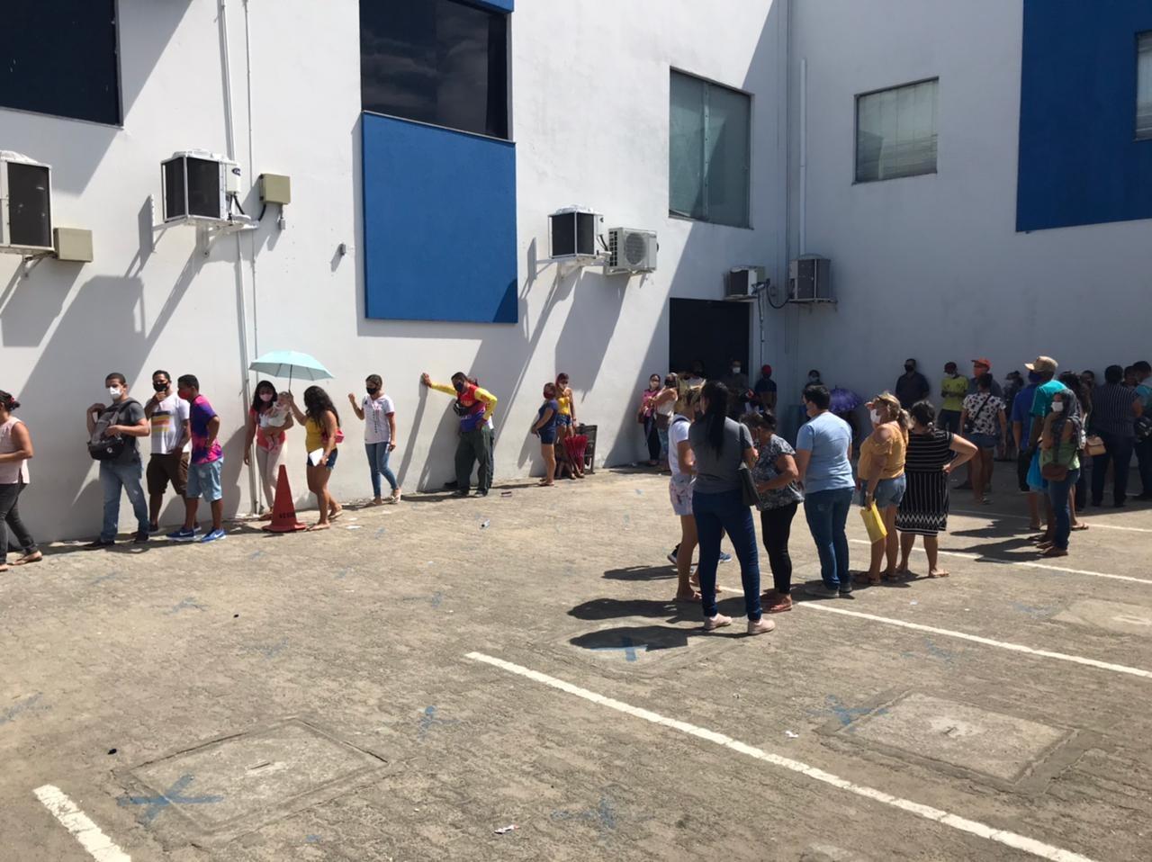 Agência da Caixa registra filas para saque do auxílio emergencial na Grande Natal
