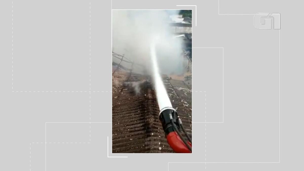 VÍDEO: Incêndio atinge galpão em Buerarema, sul da Bahia