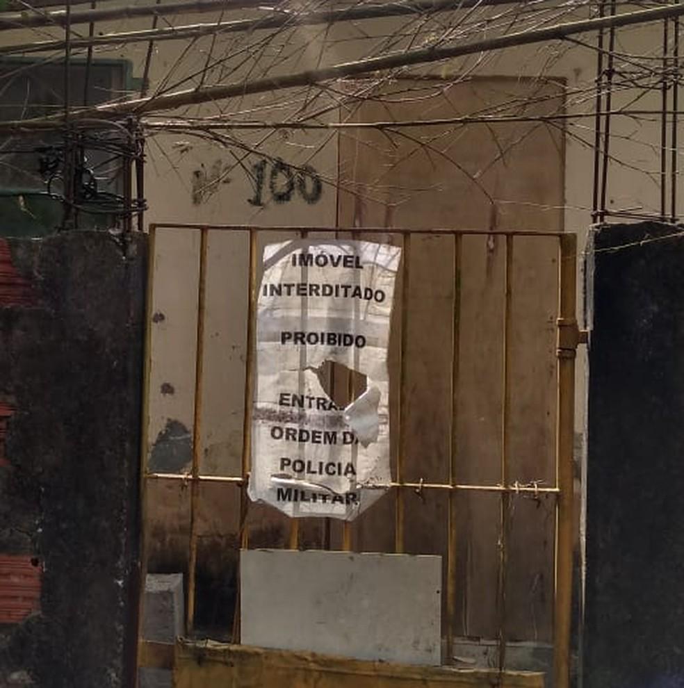 Casa desalojada é uma das que estão abandonadas no terreno do Hospital Doutor Arnaldo Pezzuti Cavalcanti — Foto: Arquivo pessoal