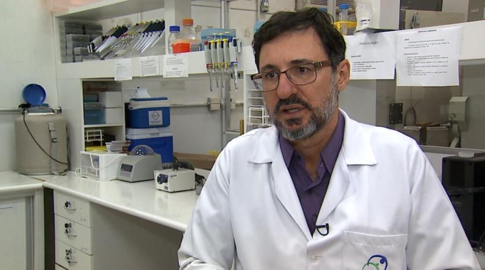 Eduardo Barbosa Coelho, coordenador da unidade de pesquisa clínica do HC em Ribeirão Preto — Foto: Reprodução/EPTV