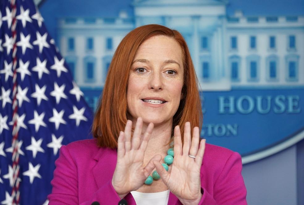 Jen Psaki, porta-voz da Casa Branca, participa de coletiva de imprensa em Washington (EUA) nesta quinta-feira (28) — Foto: Kevin Lamarque/Reuters