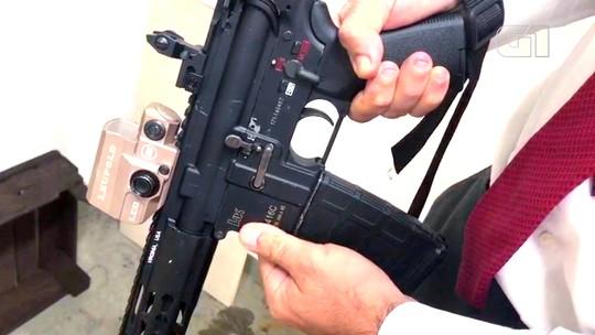 Polícia investiga se fuzis de Ronnie Lessa têm a mesma origem que os do 'Senhor das Armas'