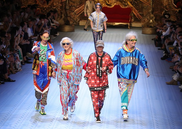 As senhoras descoladas da Dolce & Gabbana (Foto: Getty Images)