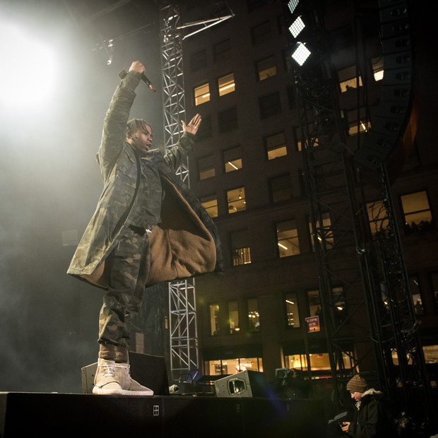 NEW YORK, NY - FEBRUARY 12:  Hip-hop artist Travis Scott performss at Roc city classic: Flatiron District on February 12, 2015 in New York City.  (Photo by Dave Kotinsky/Getty Images) (Foto: Getty Images)