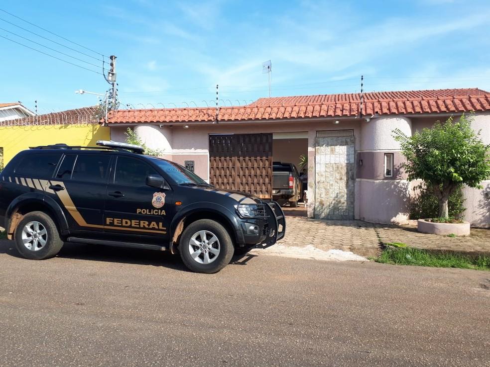 Agentes da PF cumprem mandados em Rondônia — Foto: PF/Divulgação