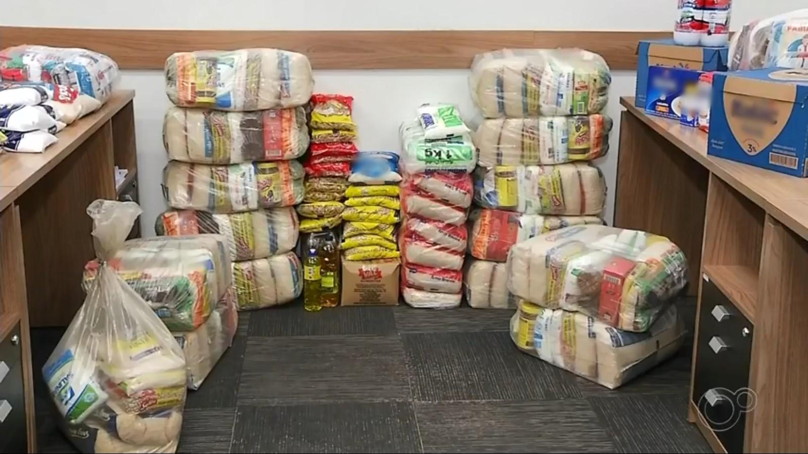 Campanha 'Adote uma Família' arrecada alimentos em Avaré
