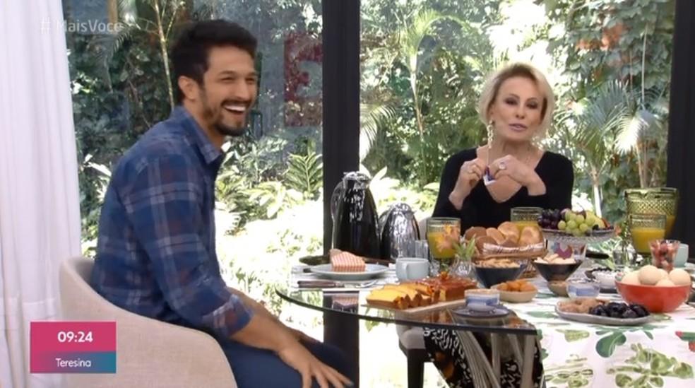 Rômulo Estrela no Mais Você, com Ana Maria Braga — Foto: Reprodução / TV Globo