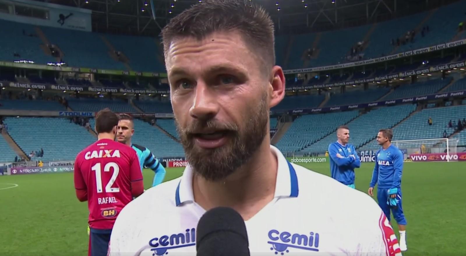 Sobis brinca com gol sobre o Grêmio: Bom para a parte vermelha do Sul