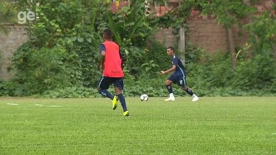 Alemão repete formação e indica time titular para estreia do Londrina; veja a escalação