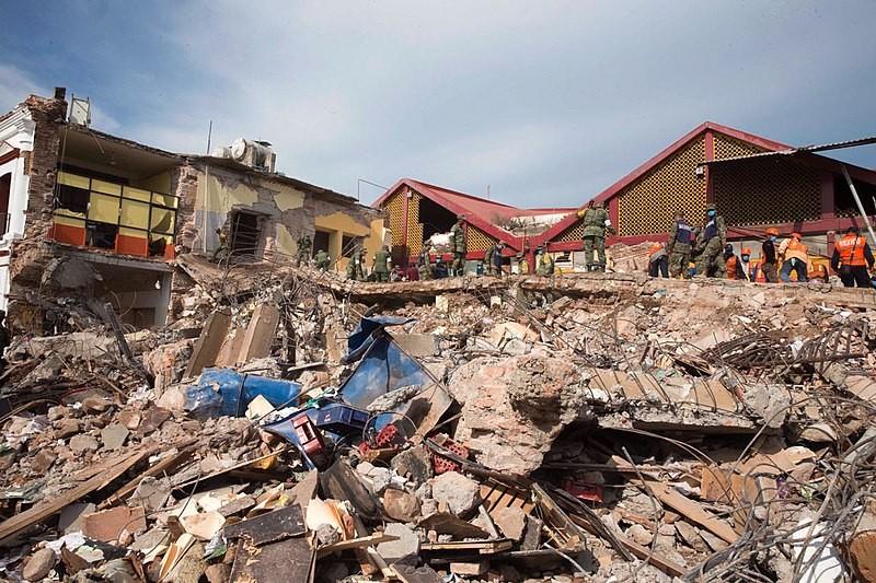 Prédios destruídos após terremoto Tehuantepec atingir o México em 2017 (Foto: Presidencia de la República Mexicana/Wikimedia Commons)