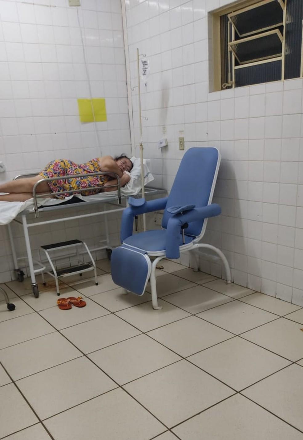 Sebastiana Brites está internada em UPA aguardando transferência para um hospital de Campo Grande — Foto: Walquiria Brites/Arquivo pessoal