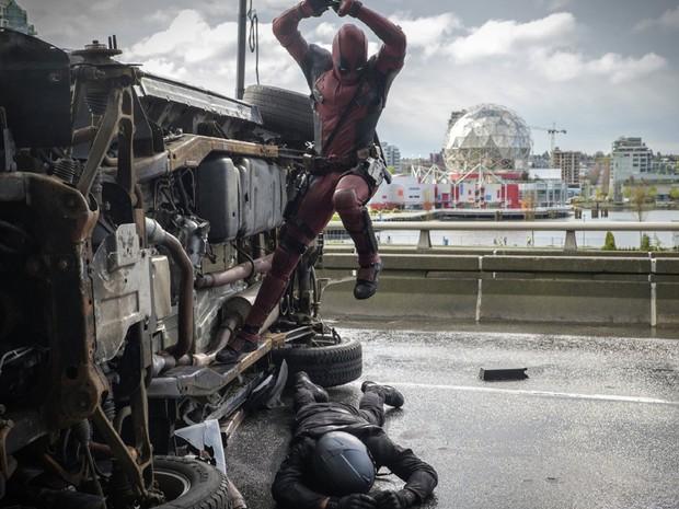 'Deadpool' combina ação e violência com humor escrachado (Foto: Divulgação)