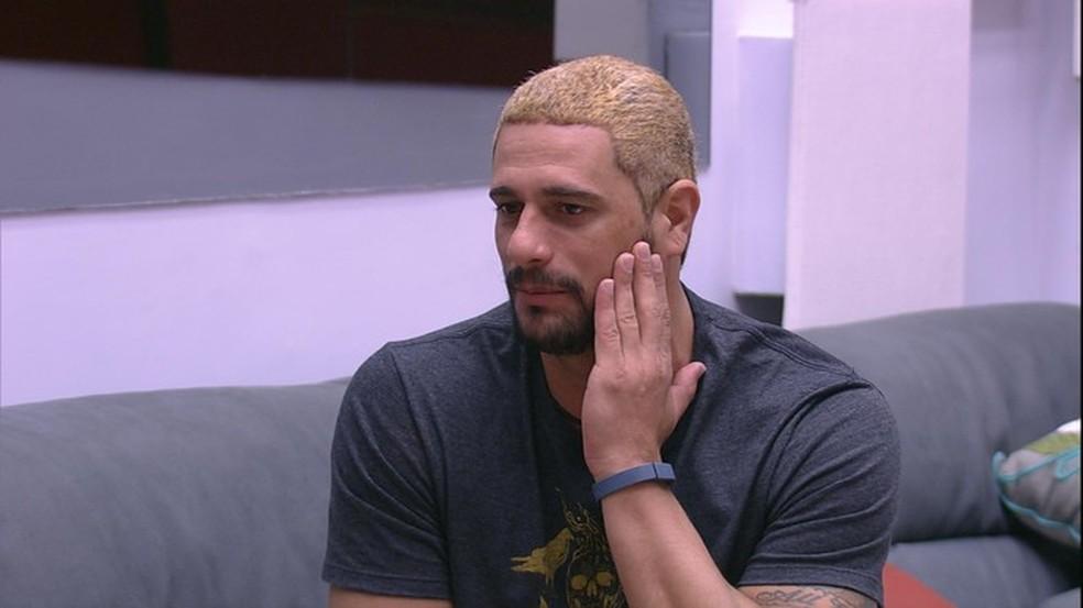 Daniel não pensou duas vezes na hora de renovar o visual (Foto: TV Globo)