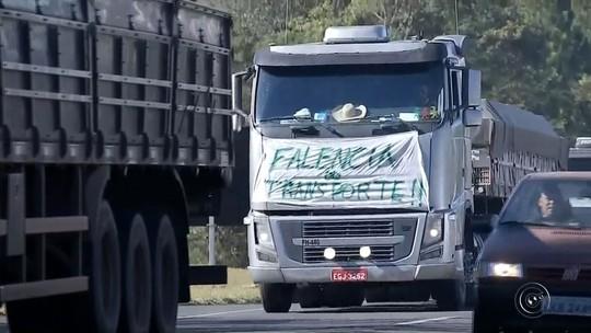 Caminhoneiros voltam a protestar contra alta no diesel na região de Bauru