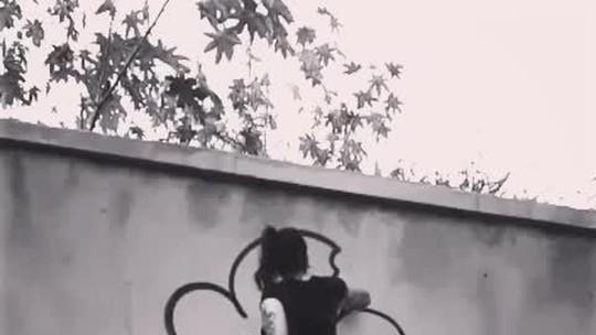 Marca registrada das ruas de BH, 'Bolinho' comemora dez anos com exposição gratuita