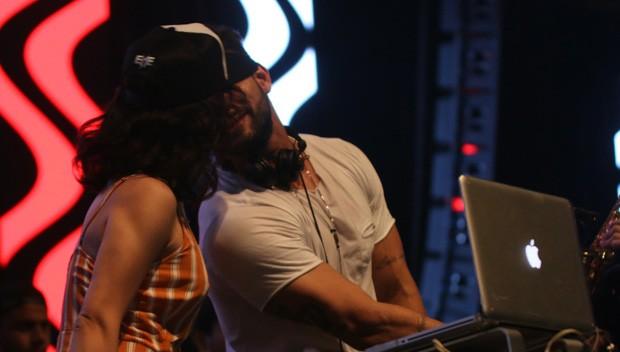 Kéfera e DJ Eme (Foto: Diogo Oliveira / CG1 Comunicação (divulgação))