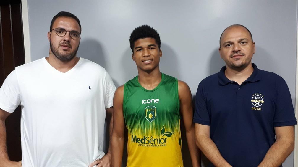 Atacante Caio Do Porto Vitória Viaja Para Nova Etapa De